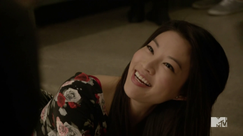 Teen_Wolf_Season_4_Episode_4_The_Benefactor_Kira_falls_down